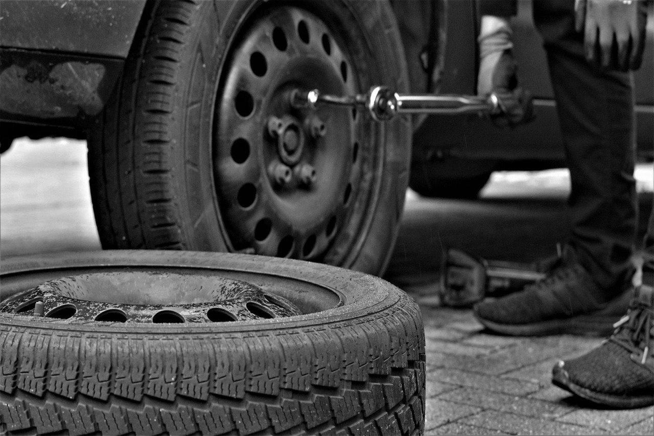 Jak przechowywać opony samochodowe?
